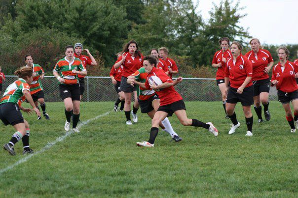 Wisconsin captain and flyhalf Meaghan White on the attack versus the County Will Morrigans.